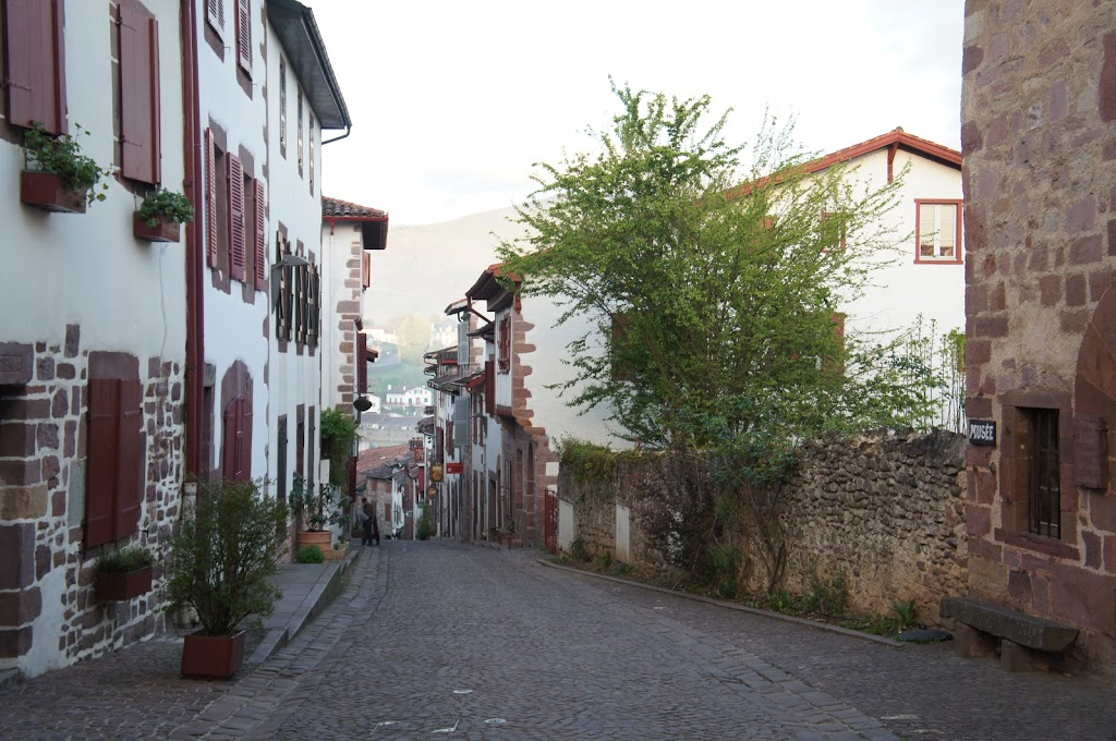 St. Jean-Pied-de-Port: a beginning with history